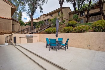 800 St. Charles Drive 1-3 Beds Apartment for Rent Photo Gallery 1