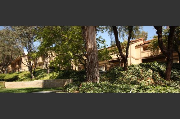 St Charles Oaks Apartments