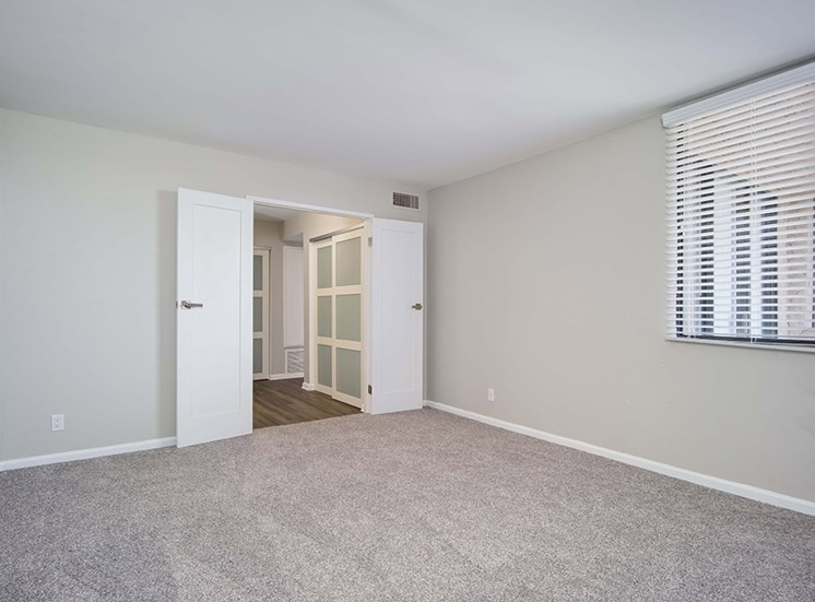 Entry For Living Room at El Patio Apartments, California, 91207