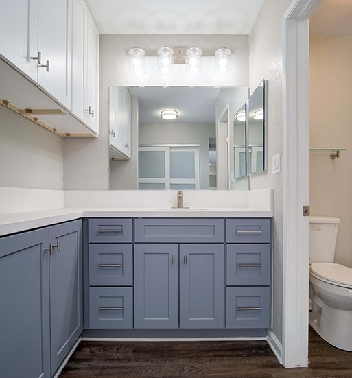 Mirror in Bathroom at El Patio Apartments, Glendale, 91207
