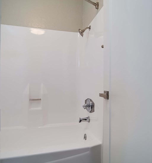 Tub In Bathroom at El Patio Apartments, Glendale, California
