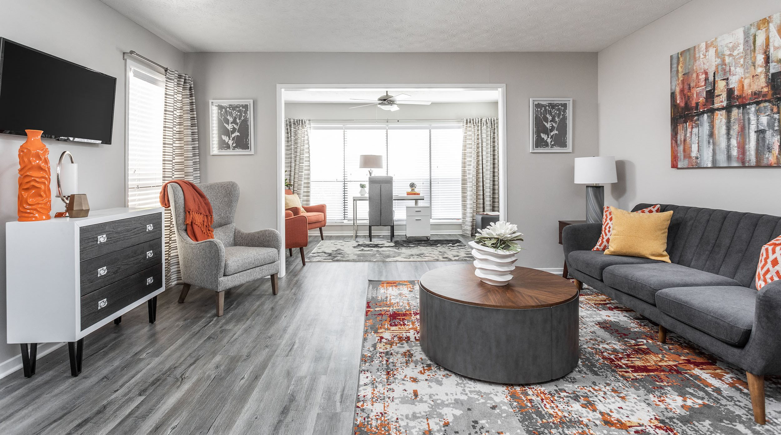 Spacious Living Room - The Pointe at Canyon Ridge