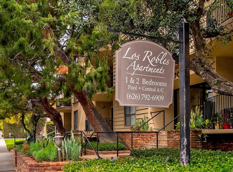 Welcoming Property Sign at Los Robles Apartments, Pasadena, California