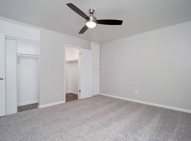 Walk-In Closet at Los Robles Apartments, Pasadena, CA, 91101