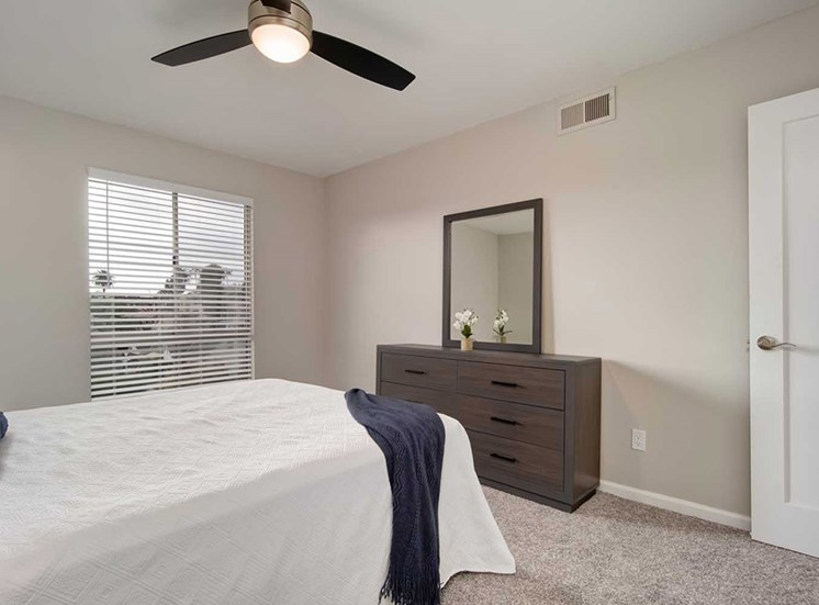 King-Sized Bedrooms at Los Robles Apartments, Pasadena