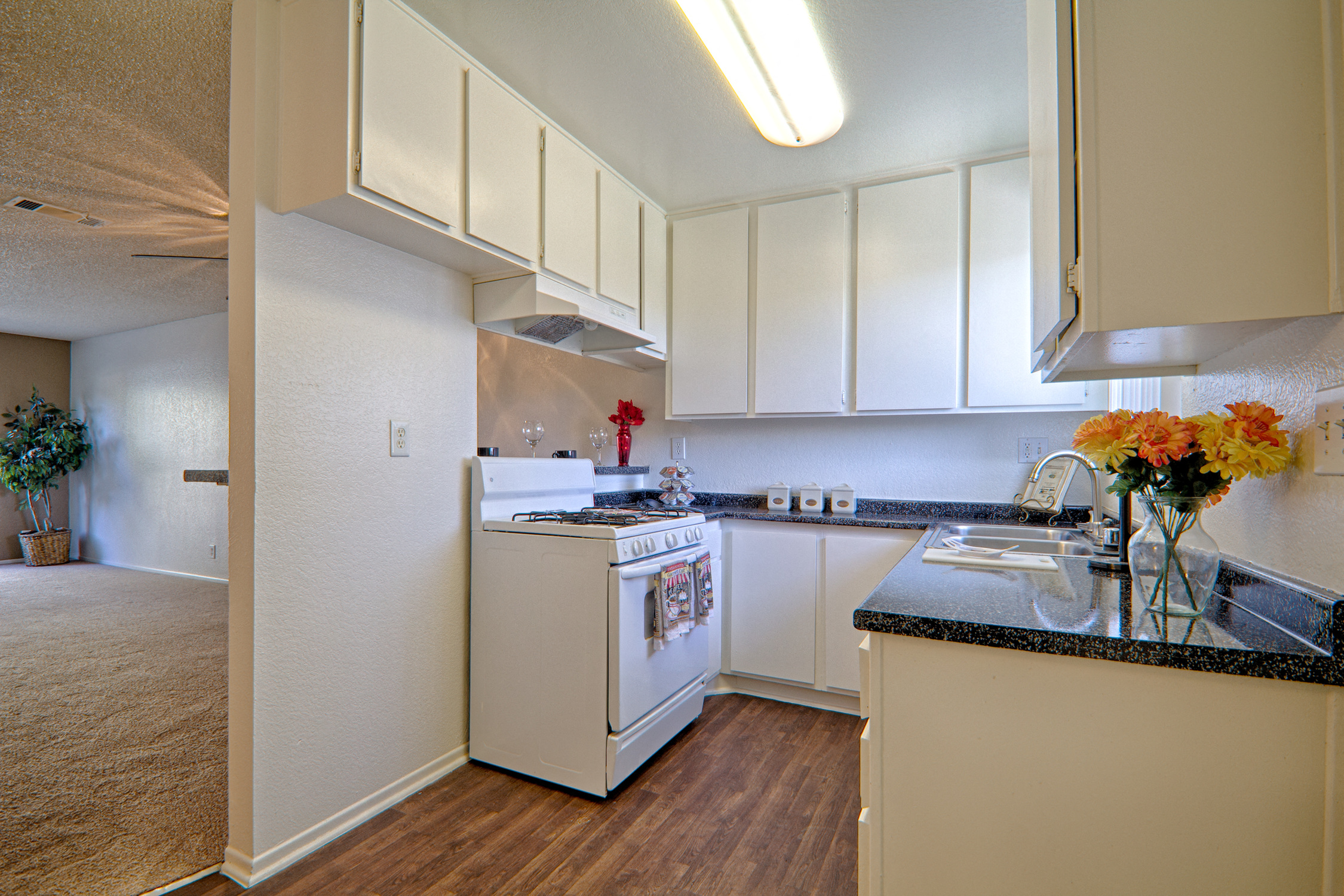 Full Kitchen at Woodlands West Townhomes, Lancaster, CA,93536