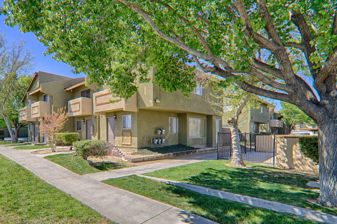 Woodlands West Townhomes Apartments In Lancaster Ca