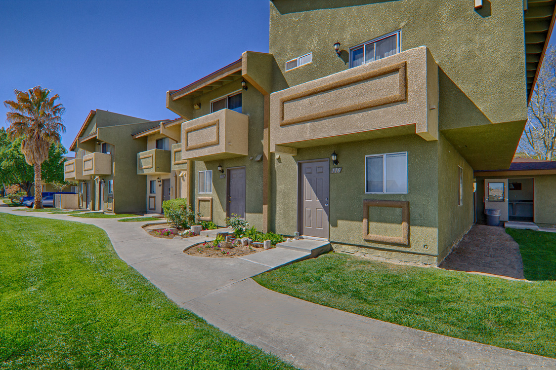 Front View at Woodlands West Townhomes, Lancaster, CA,93536