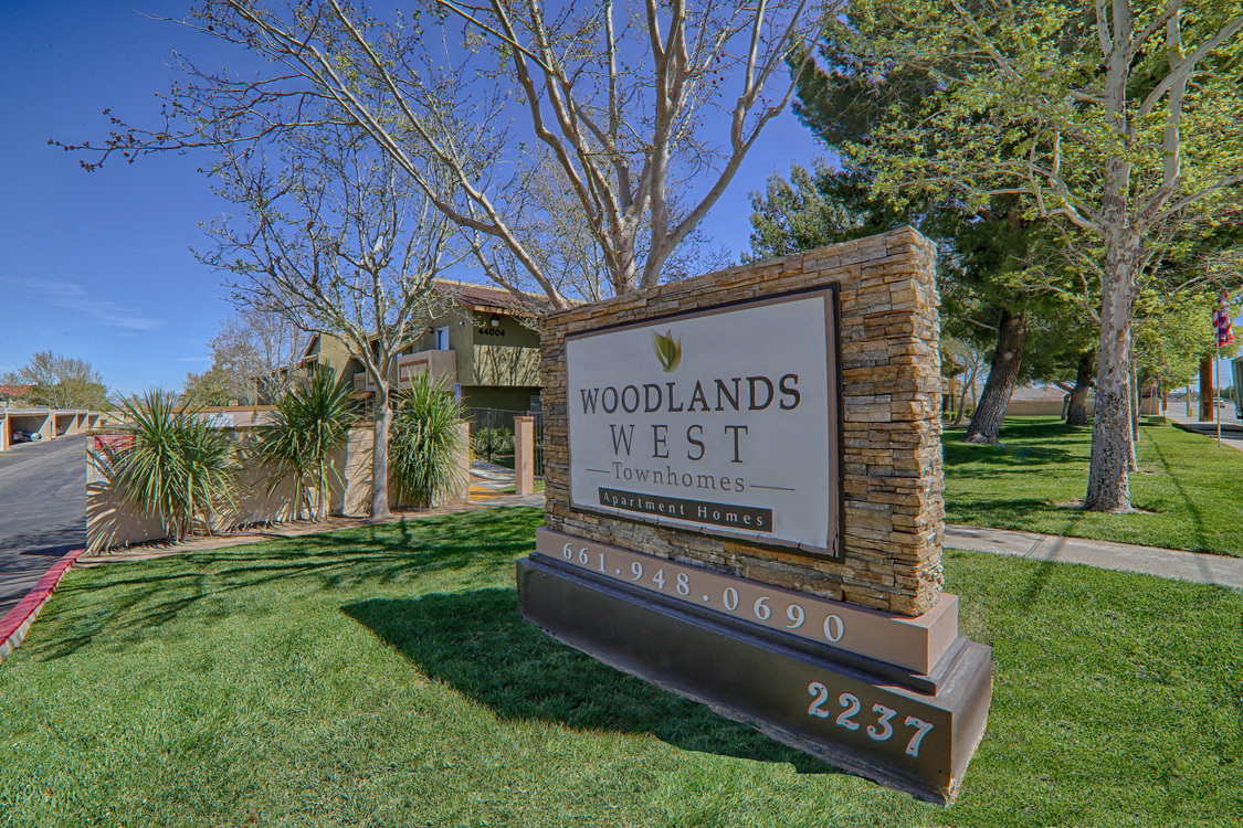 Front site at Woodlands West Townhomes, Lancaster, California
