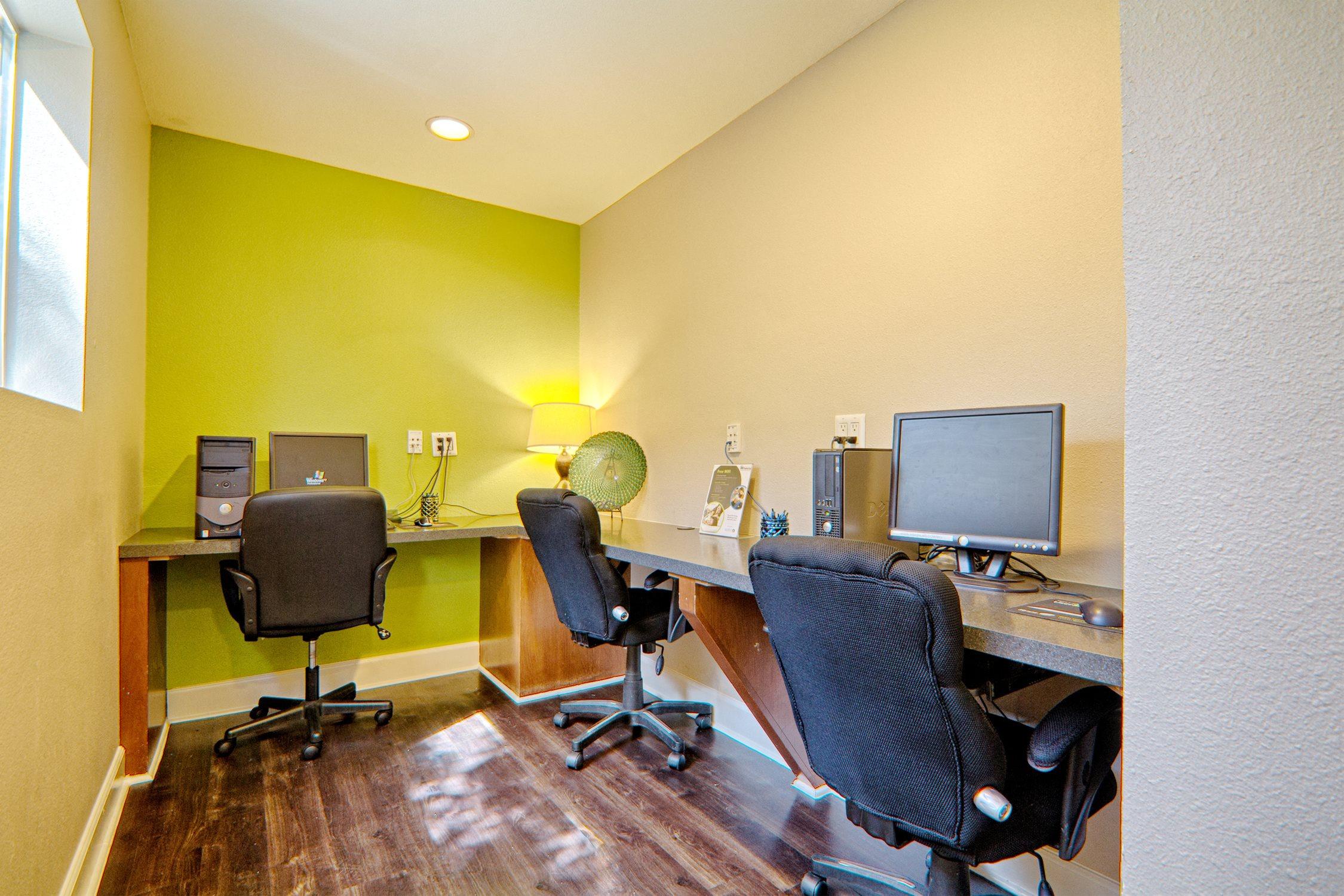Business Center at Cordova Park Apartments in Lancaster, CA
