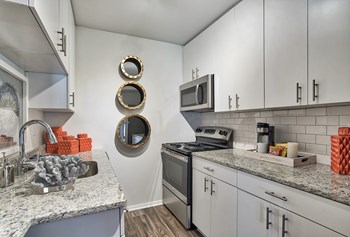 3450 Manor Dr 1-3 Beds Apartment for Rent Photo Gallery 1