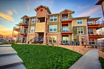 1600 Iron Horse Dr. 1-2 Beds Apartment for Rent Photo Gallery 1