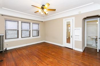 2753 Euclid Heights Blvd Studio-2 Beds Apartment for Rent Photo Gallery 1