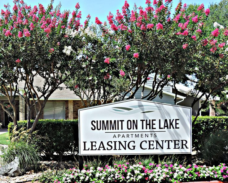 Leasing Office at Summit on the Lake Apartments in Fort Worth TX