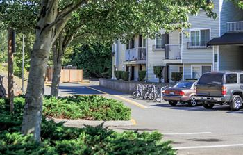 1406 Maple Lane 2-4 Beds Apartment for Rent Photo Gallery 1
