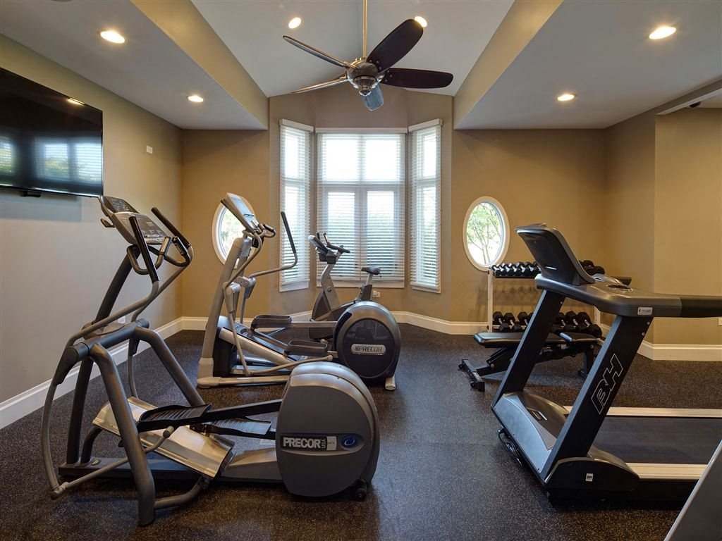 Fully Equipped Fitness Center at Farmington Lakes Apartments Homes, Oswego, IL, 60543
