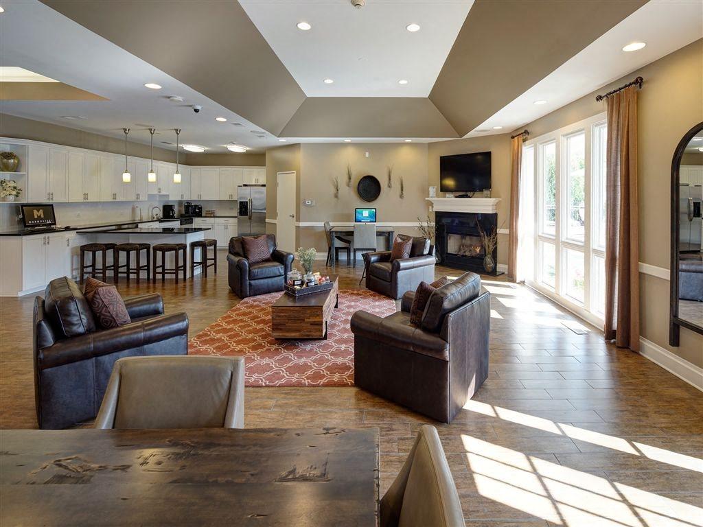 Large Clubhouse at Farmington Lakes Apartments Homes, Oswego, IL, 60543
