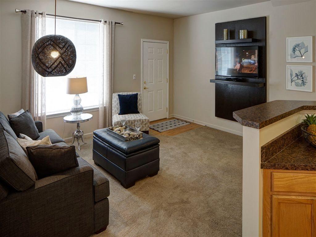 Hardwood Flooring at Farmington Lakes Apartments Homes, Oswego, IL, 60543