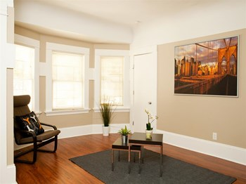 963 18th St 1-3 Beds Apartment for Rent Photo Gallery 1