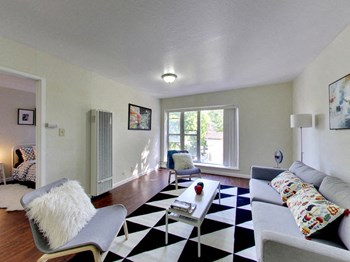 818 East 20Th 1-2 Beds Apartment for Rent Photo Gallery 1