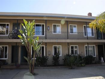 1744 27th Avenue 1-2 Beds Apartment for Rent Photo Gallery 1