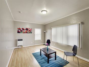 1616 35th Avenue Studio-1 Bed Apartment for Rent Photo Gallery 1