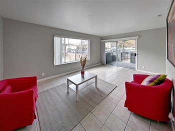 1828 28th Avenue 1-2 Beds Apartment for Rent Photo Gallery 1
