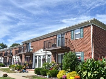 1755 Klockner Rd Suite A 1 Bed Apartment for Rent Photo Gallery 1