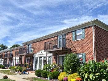 1755 Klockner Rd Suite A 1-2 Beds Apartment for Rent Photo Gallery 1