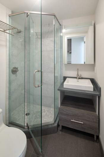 137 Avenue C 3 Beds Apartment for Rent Photo Gallery 1