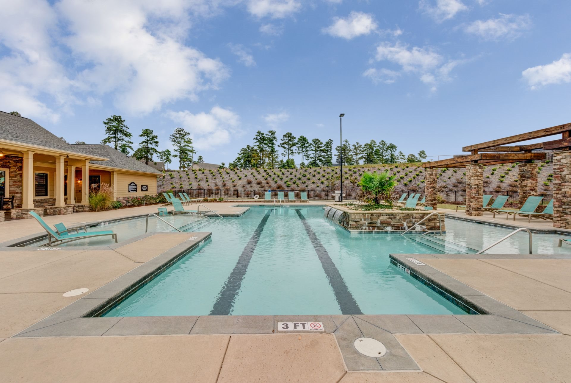 Resort-Style Saltwater Pool at Ultris Patriot Park, Fayetteville, NC,28311