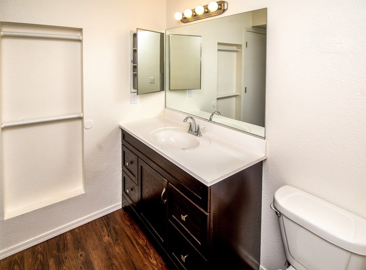Separate Spacious Bathrooms at Rio Verde Apartments, Cottonwood, AZ,86326