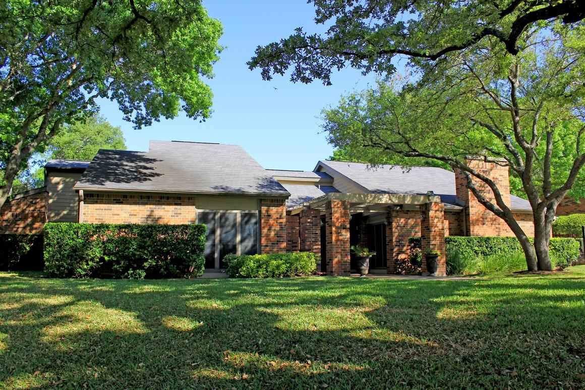 Walnut Creek Crossing Apartment Homes, Austin, Texas TX