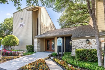 7117 Wood Hollow Dr. 1-2 Beds Apartment for Rent Photo Gallery 1