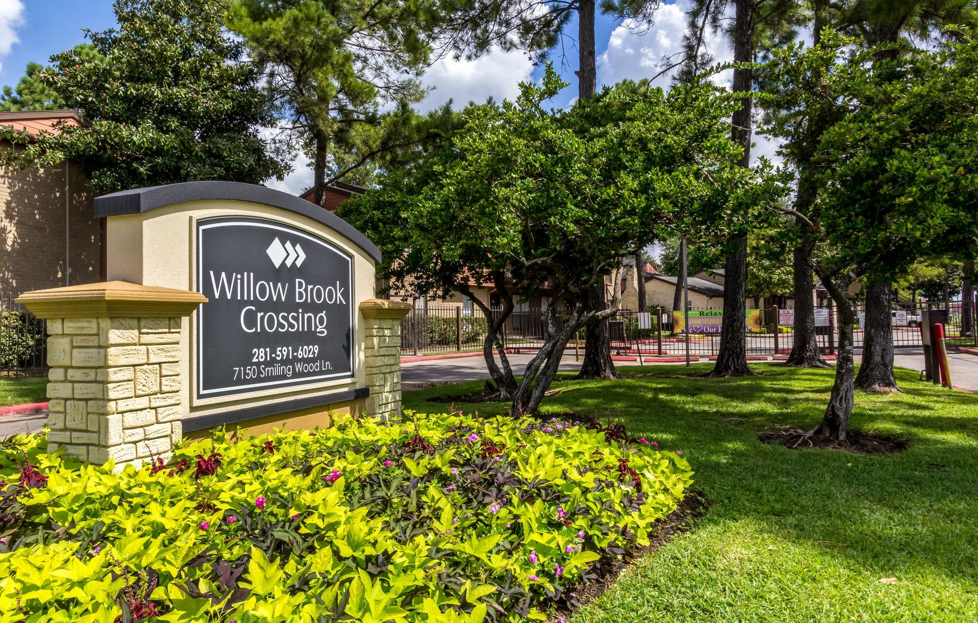 Willow brook crossing apartments in houston tx for Home plans houston