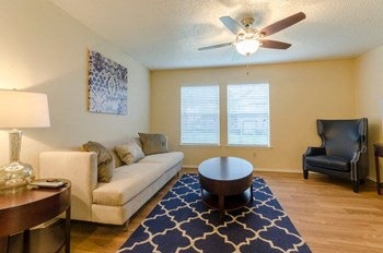 1300 North 45th St. 2 Beds Apartment for Rent Photo Gallery 1