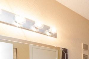 Copper Hill Apartments Bedford TX Bathroom