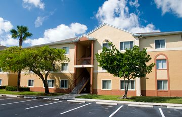 55 Plus Communities in West Palm Beach FL | Waverly Apartments