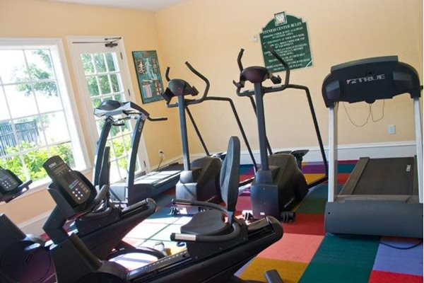 24 hour fitness center at westwood apartments in Fort Meyers florida