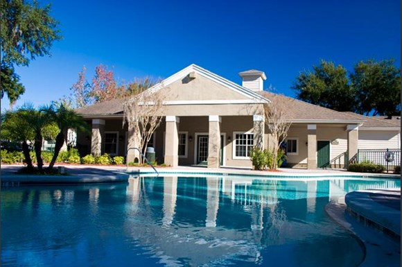 Sparkling Swimming Pool At Woodbridge Florida 33566