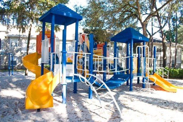 children's play area at woodbridge apartment rentals in plant city fl