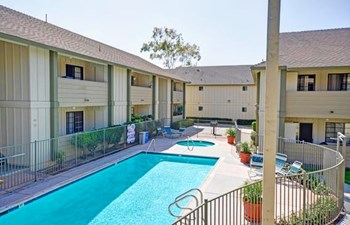 945 Hollister St 2 Beds Apartment for Rent Photo Gallery 1