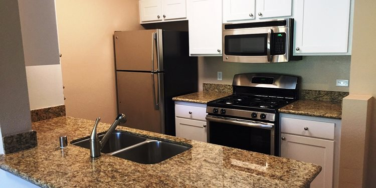 55+ Apartments in Temecula CA-FountainGlen at Temecula Kitchen
