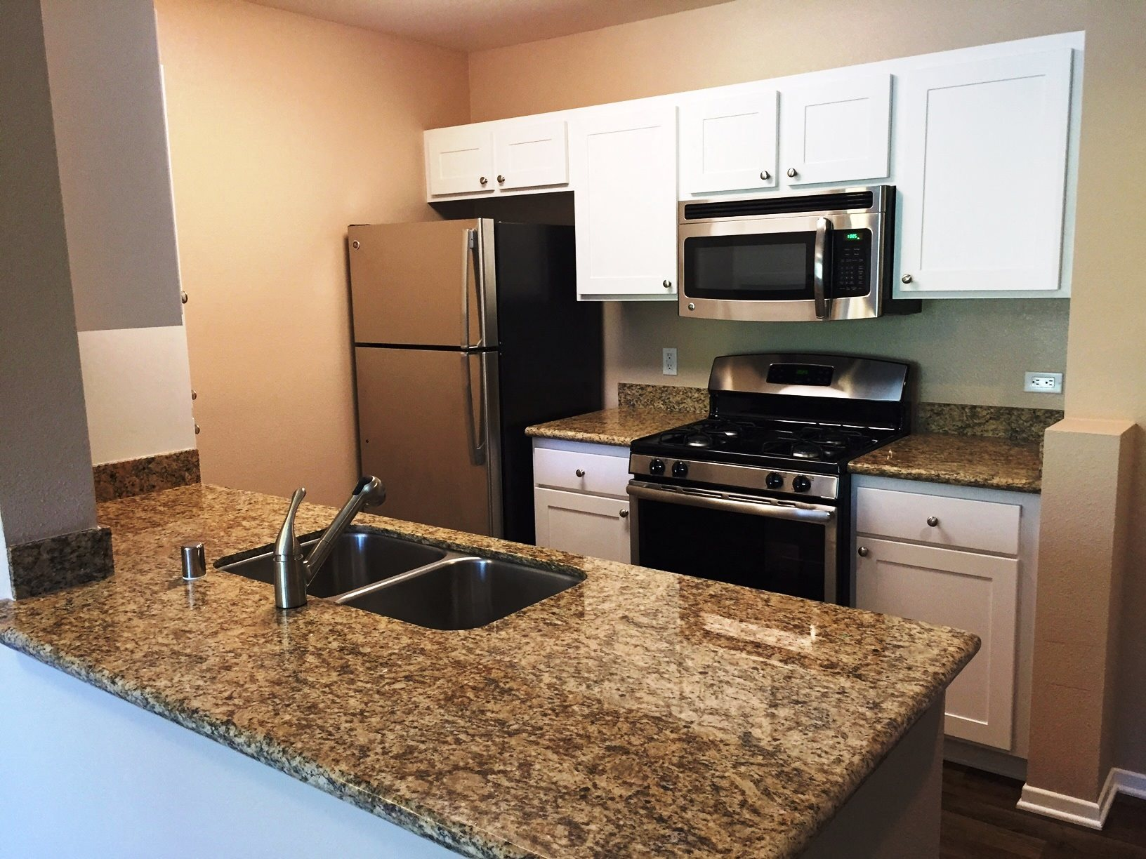 Rancho Cucamonga Senior Living-FountainGlen Terra Vista CA Kitchen