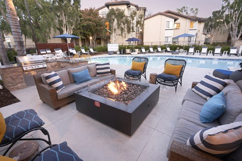 Relaxing Outdoor Lounge Area at The Knolls, Thousand Oaks, CA, 91362