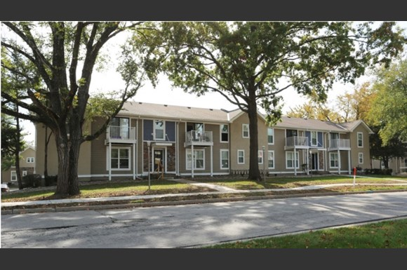 Kendallwood Apartments 2813a Ne Kendallwood Parkway Gladstone Mo Rentcaf