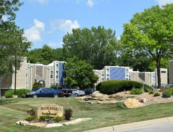2813 A NE Kendallwood Parkway 2 Beds Apartment for Rent Photo Gallery 1