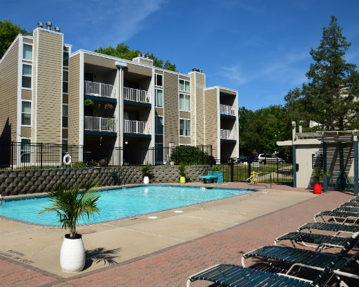 Rock Creek Apartments 2813 A Ne Kendallwood Parkway