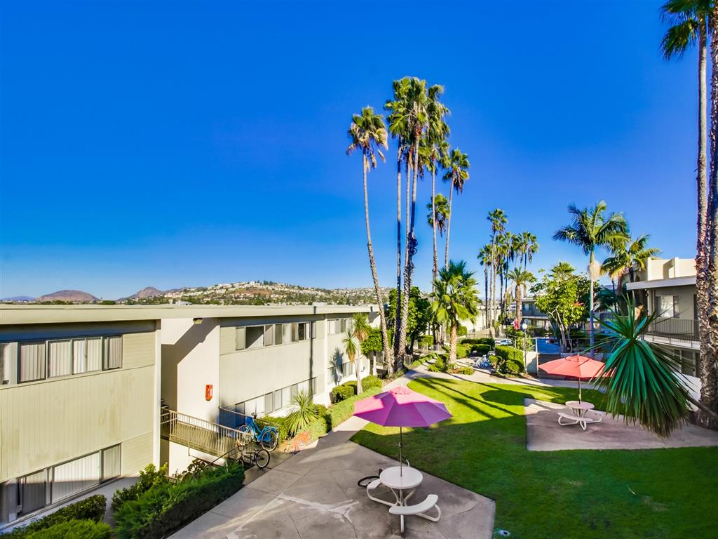 Beautiful Surrounding with Picnic Tables at Alberts College Apartments, San Diego, California