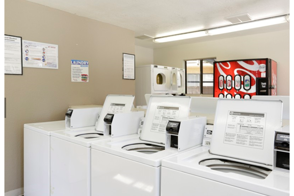 Laundry Facilities, California 92078